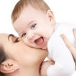 Первый месяц жизни — играем с малышом