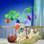 Второй месяц жизни — играем с малышом