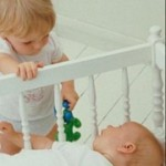 Детская ревность — как подружить детей?