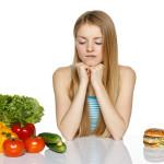 Сверстники едят то, чего нельзя есть дочке-аллергику. Как быть?