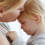 Как НЕ НАДО останавливать детскую истерику (случай на прогулке)