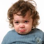 Как отучить ребенка от нытья?