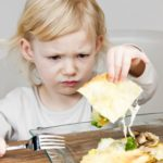 [Случай] Ребенок поперхнулся едой и отказывается есть твердую пищу